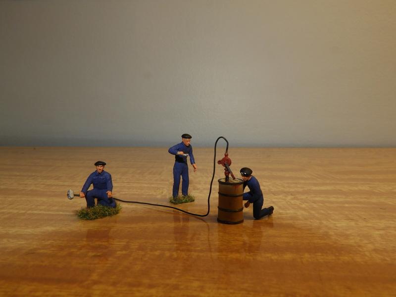 Mécaniciens, blessés, équipages (cavalerie et BCC) de blindés, 1/72 Dscn0548