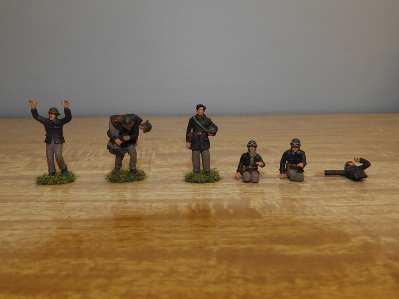 Mécaniciens, blessés, équipages (cavalerie et BCC) de blindés, 1/72 Dscn0615