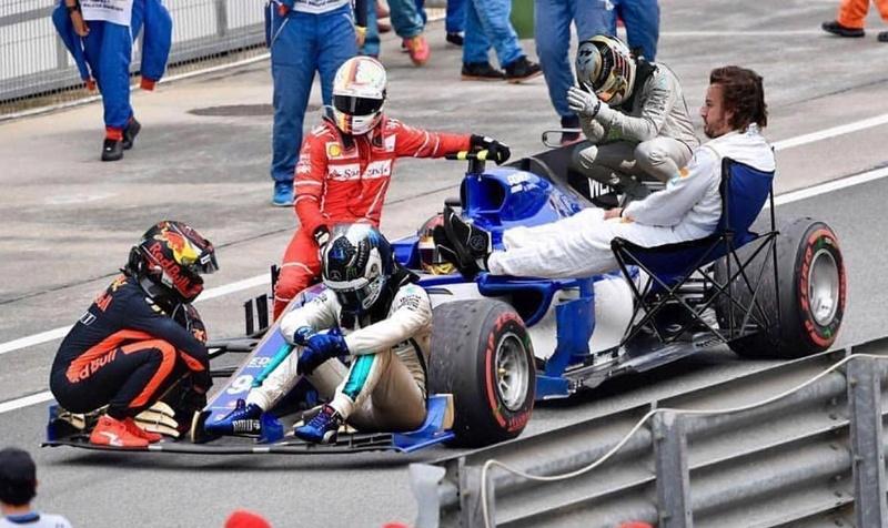 Les images insolites de la F1 - Page 15 Img_3410
