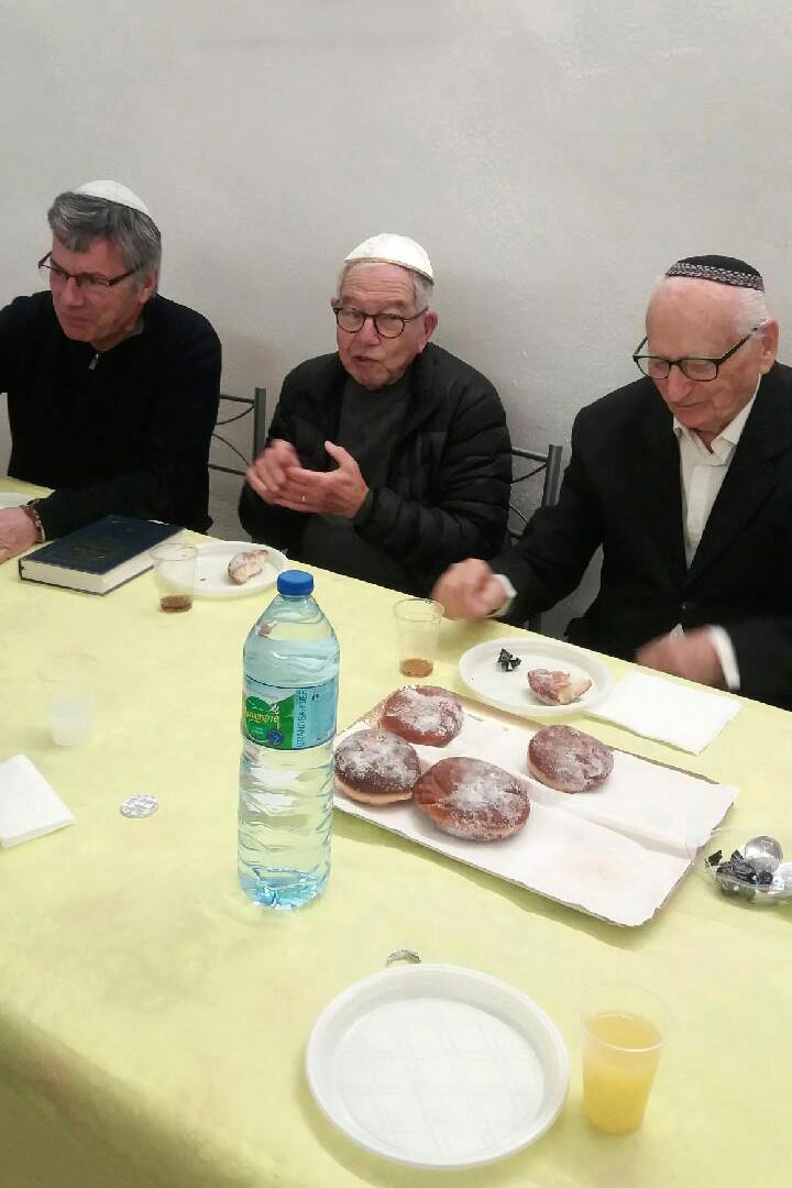 [Fêtes] Les photos de Hanouka 5778 prises à la synagogue Img_0112
