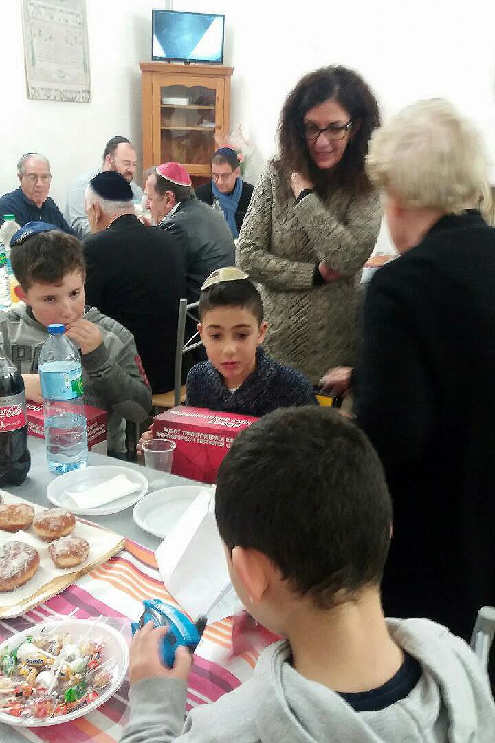 [Fêtes] Les photos de Hanouka 5778 prises à la synagogue Img_0114