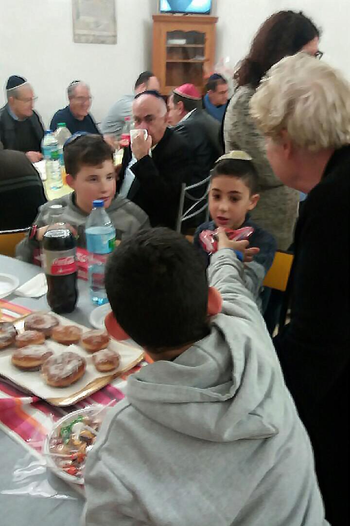 [Fêtes] Les photos de Hanouka 5778 prises à la synagogue Img_0119