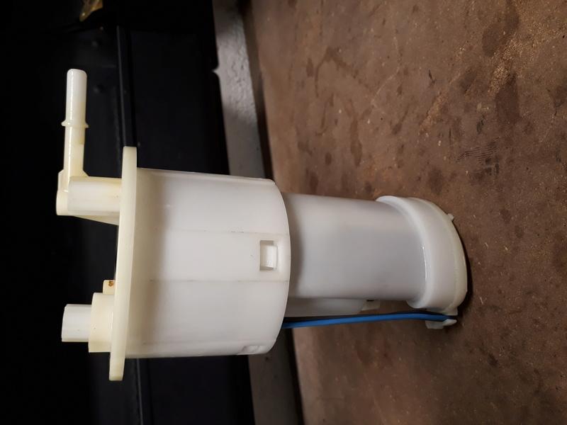 pompe à essence fendue 20180120
