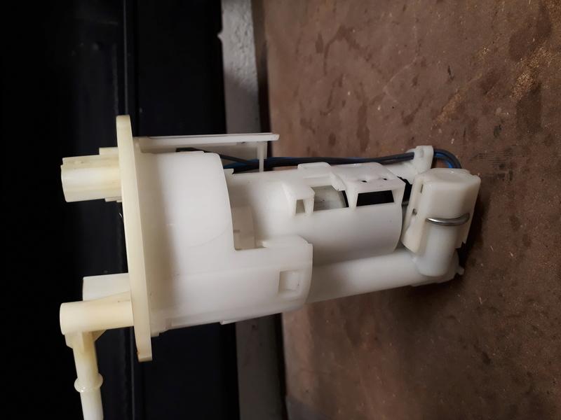 pompe à essence fendue 20180123