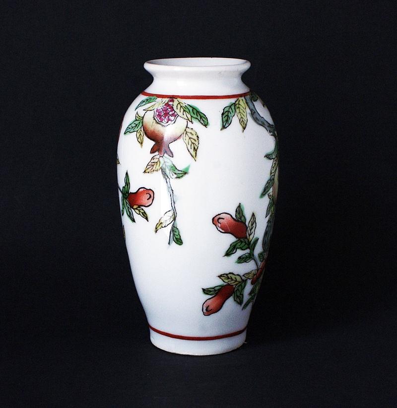 Japanese Vase - Love Birds - Pomegranates  Dsc03514