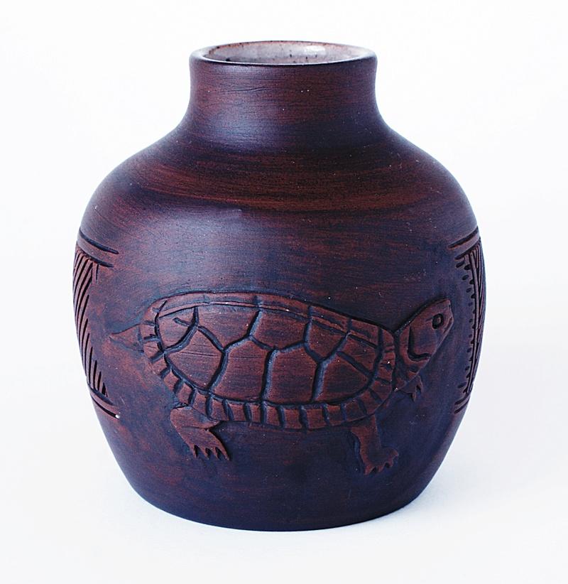 Pottery Vase - Turtle Motto. Dsc03524