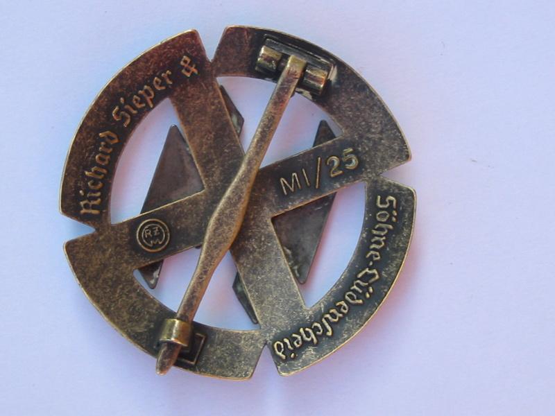Badge SS Img_7414