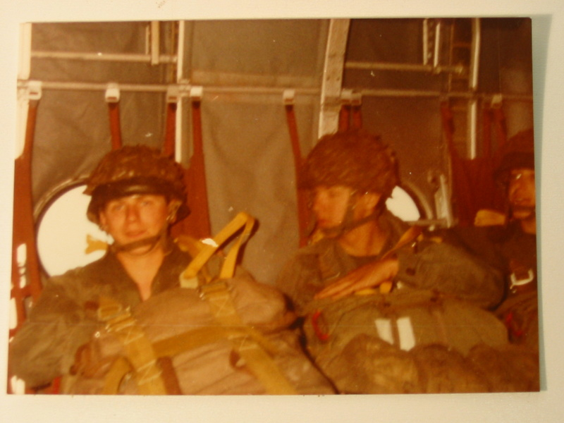 Parachutistes en Algérie (tenues & équipements) Img_7618