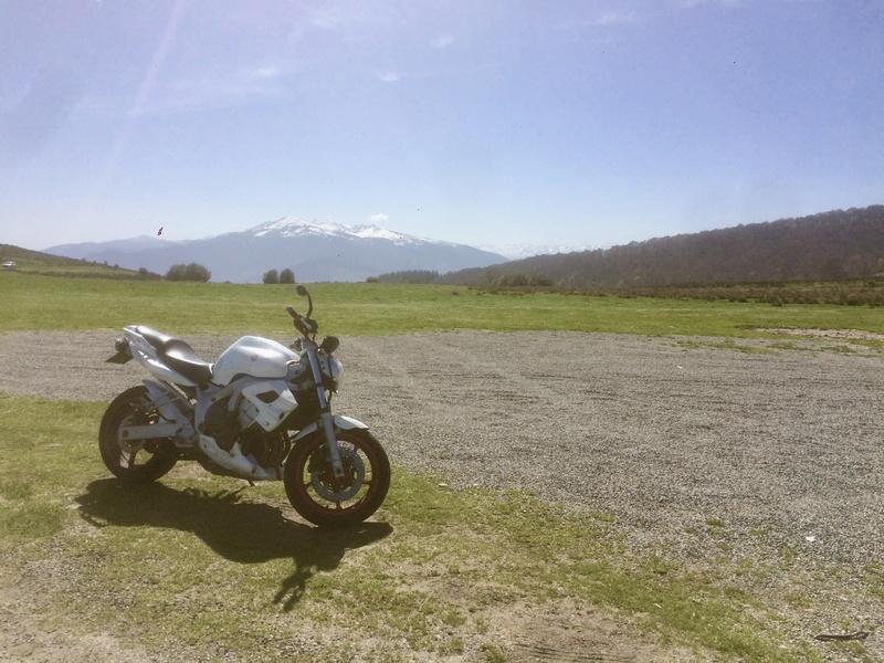 Vous rouler aussi à moto ... Montrez nous vos belles  - Page 2 Fullsi49