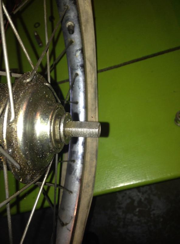 Deux vélos pliants Motobécane Img_3113