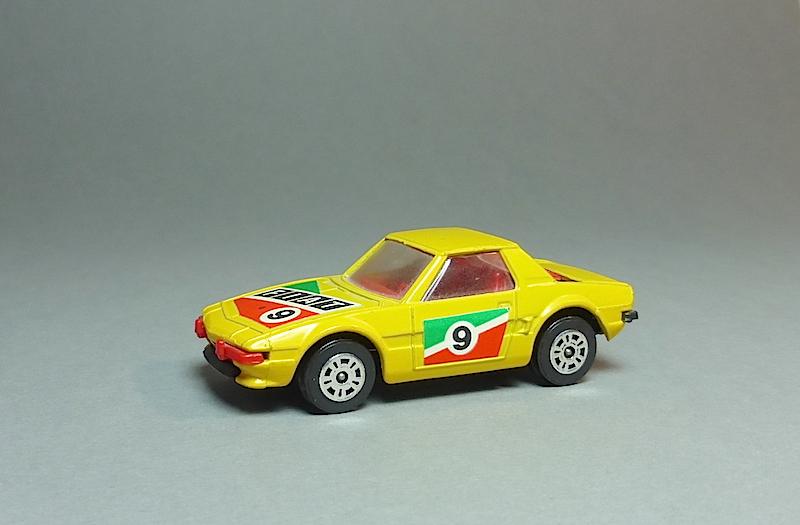 Le modèle a l'honneur  - Page 31 Fiat_c10