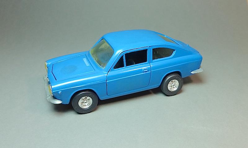 Le modèle a l'honneur  - Page 31 Fiat_n10
