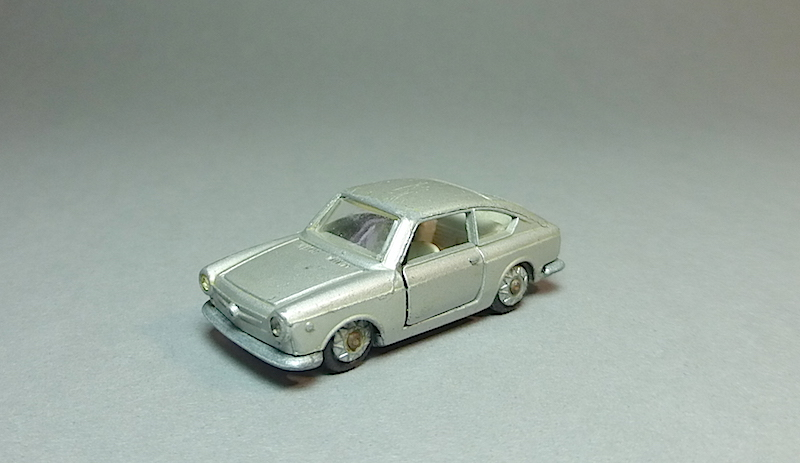 Le modèle a l'honneur  - Page 31 Fiat_p11