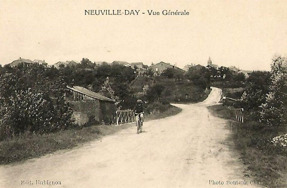 Carte postale de Neuville Day 12325210