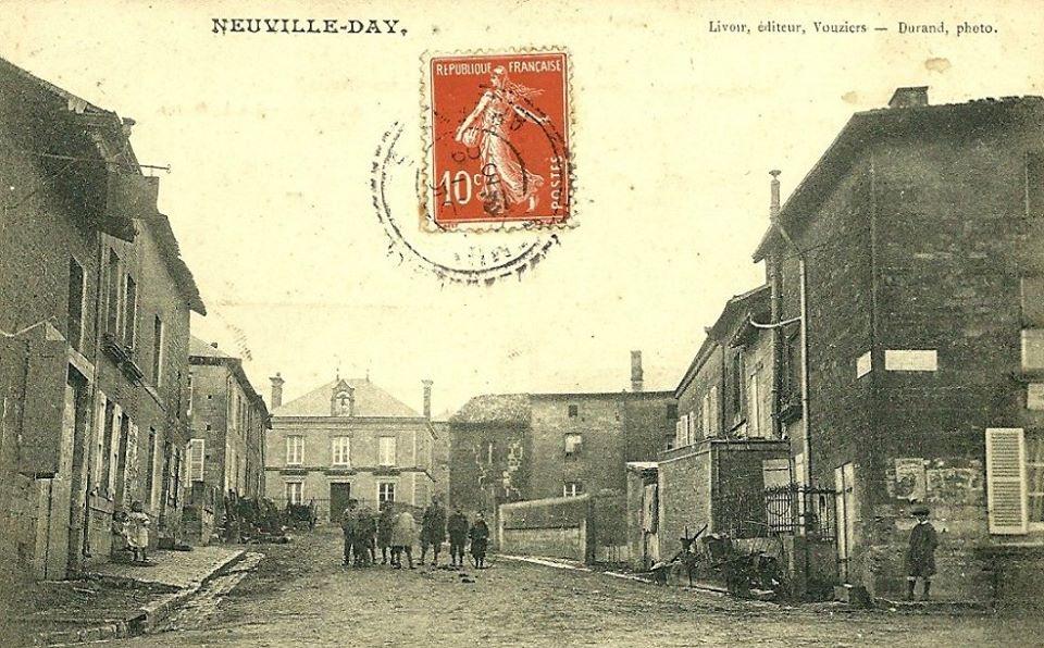 Carte postale de Neuville Day 12336110