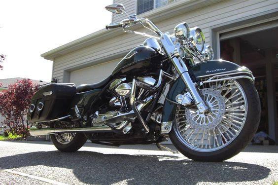 Road King uniquement, combien sur Passion-Harley  - Page 3 13669210