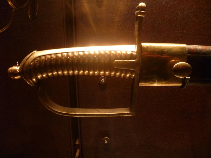 Différence entre le sabre briquet mod. an 11 et le mod.1816? 01910