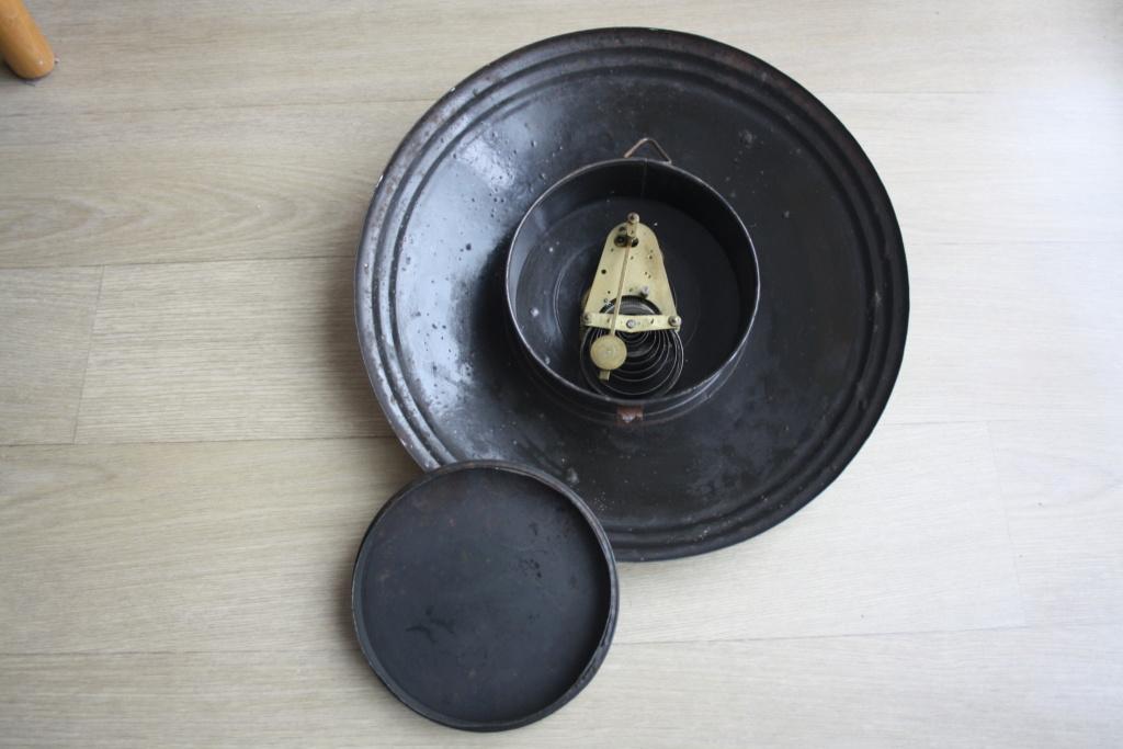 Horloge ronde bombée tôle émaillée Img_0012