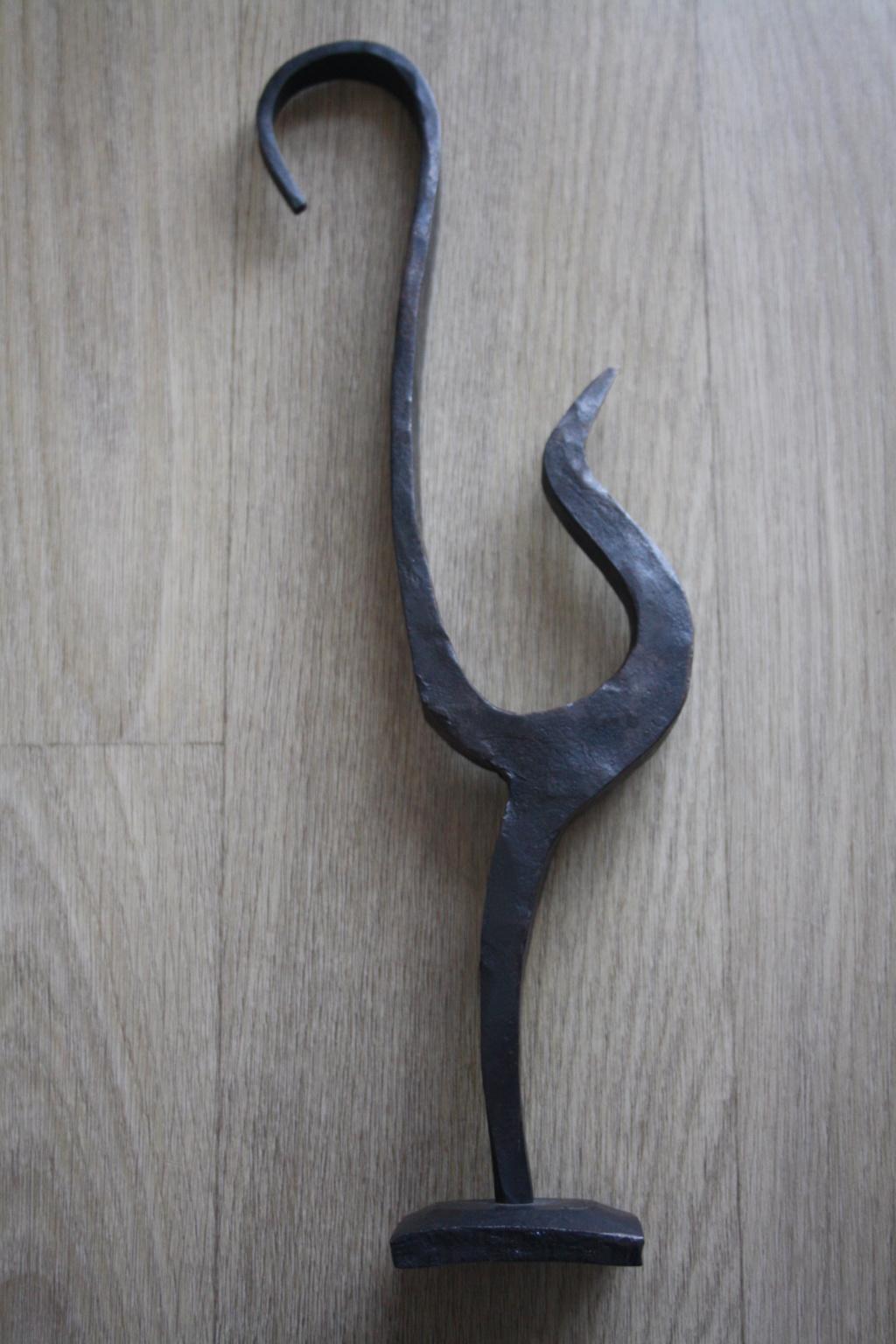 Sculpture en fer forgé signée MT OU TM.. à identifier Img_0513