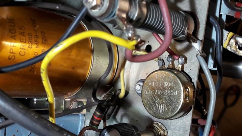 Banc Souriau et condensateurs Rv1_210