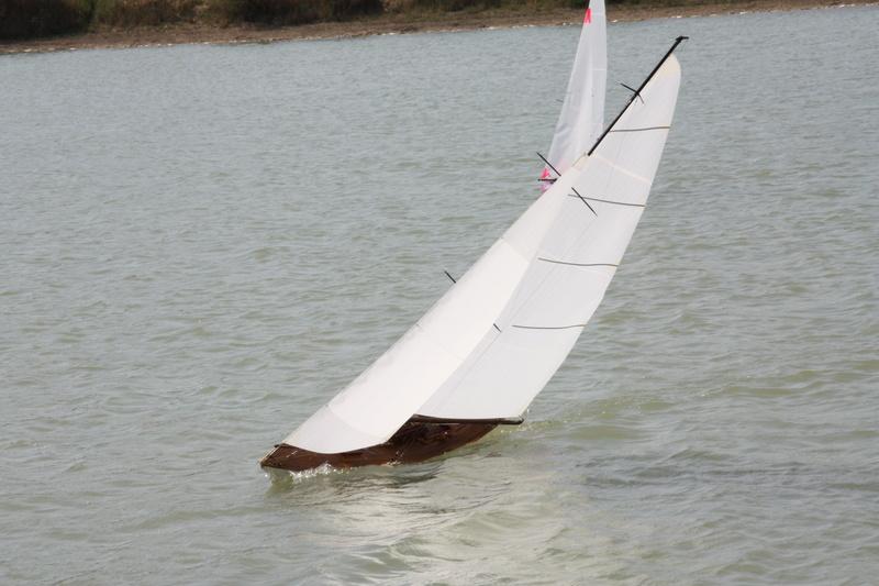 MEZUA proto voilier de type classique Img_9110