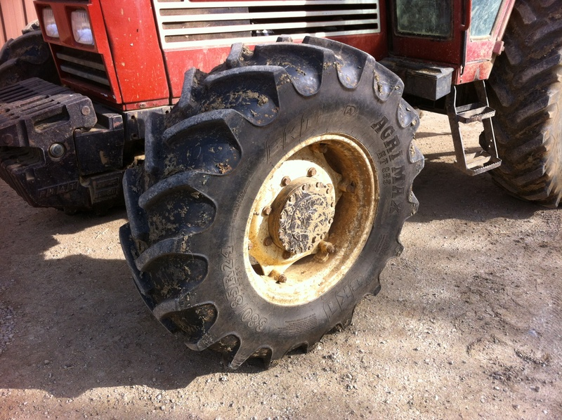 Vend tracteur FIAT 100-90 - Page 4 Img_1812