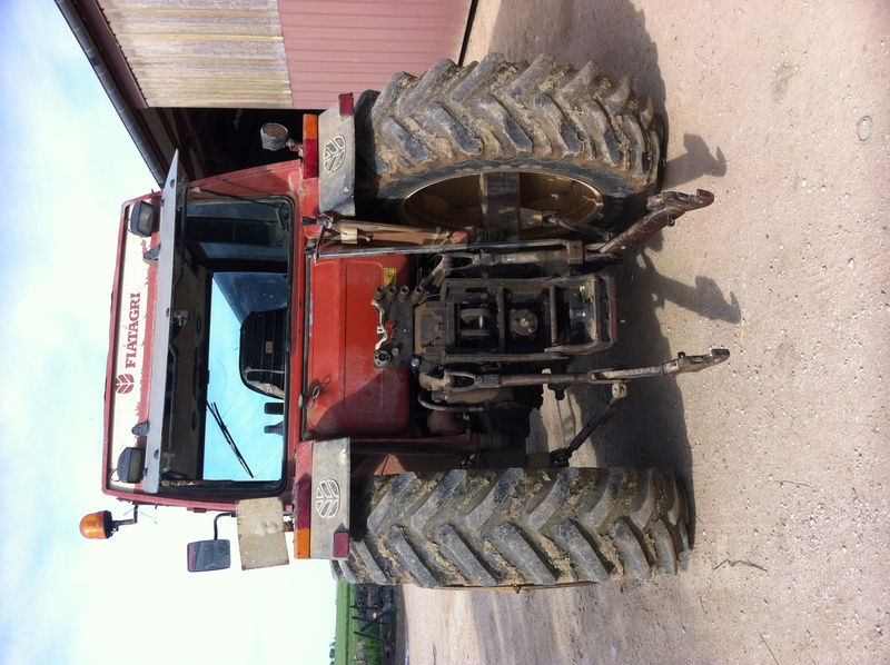Vend tracteur FIAT 100-90 - Page 4 Img_1813