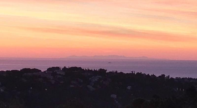 Ce matin on voyait la Corse du continent. 47097510