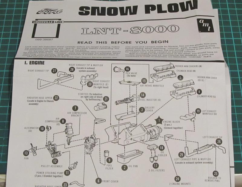 """AMT  FORD LNT 8000 """"Snow Plow"""" 1:25 Img_2d10"""