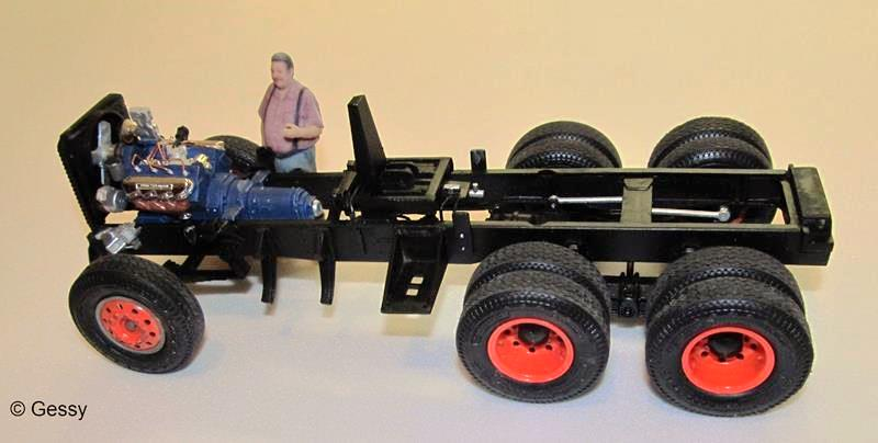"AMT  FORD LNT 8000 ""Snow Plow"" 1:25 Img_8117"
