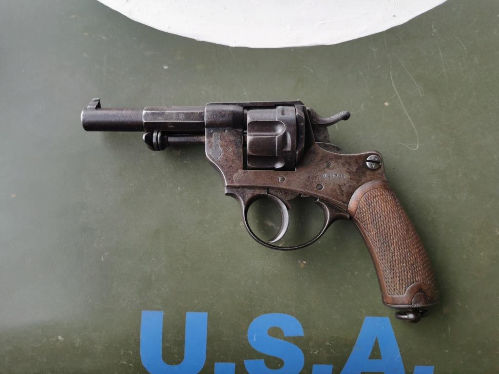Un nouveau dans mes réglo français revolver 74 Img_2174