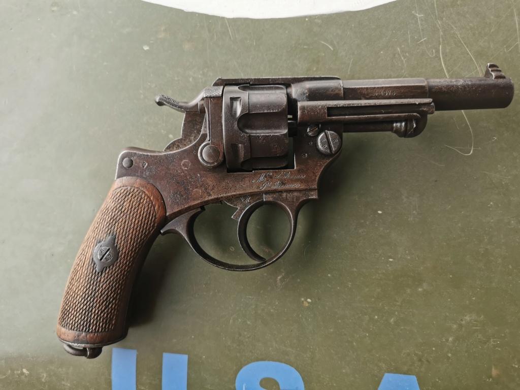 Un nouveau dans mes réglo français revolver 74 Img_2175