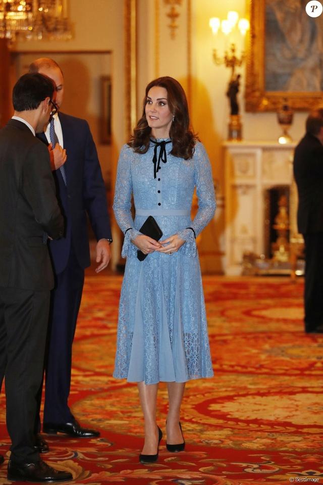 Kate Middleton  35848011