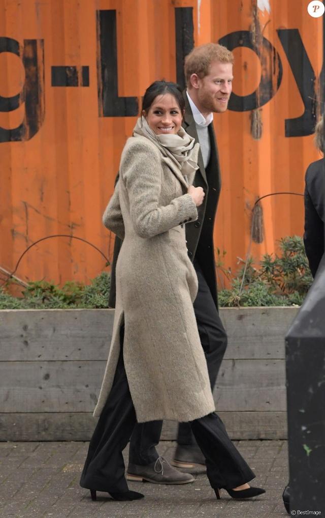 Prince Harry & Meghan Markle  37792010