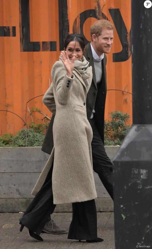 Prince Harry & Meghan Markle  37792110
