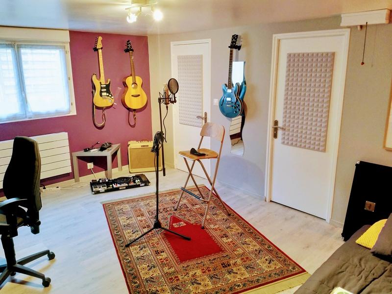 """Votre """"coin"""" guitare! Postez vos photos! - Page 3 Img_2012"""