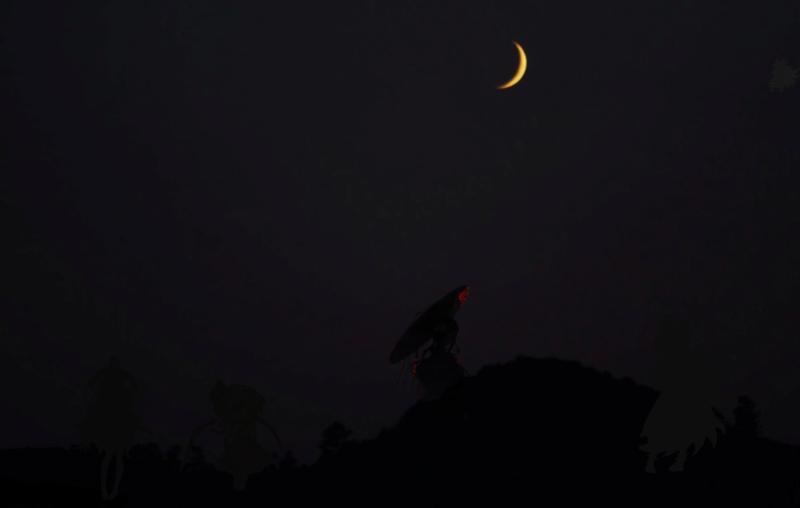 3 - Sous la pâleur de la Lune Captur10