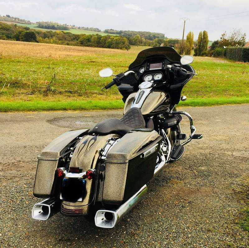 Info perso. Road glide en perspective  - Page 4 A90c5f10