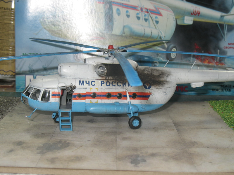 [ZVEZDA] Mil Mi-8  1/72 Img_2832