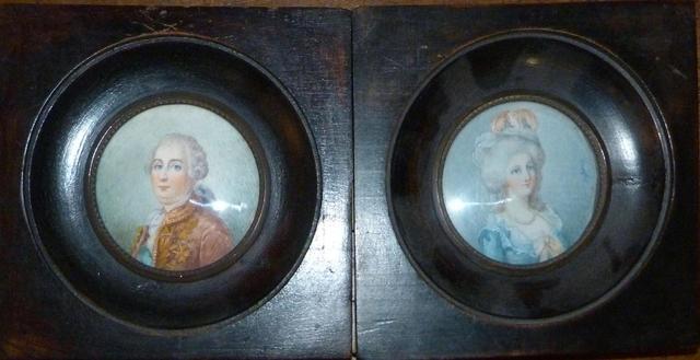A vendre: Louis XVI et Marie Antoinette - Page 5 01000311