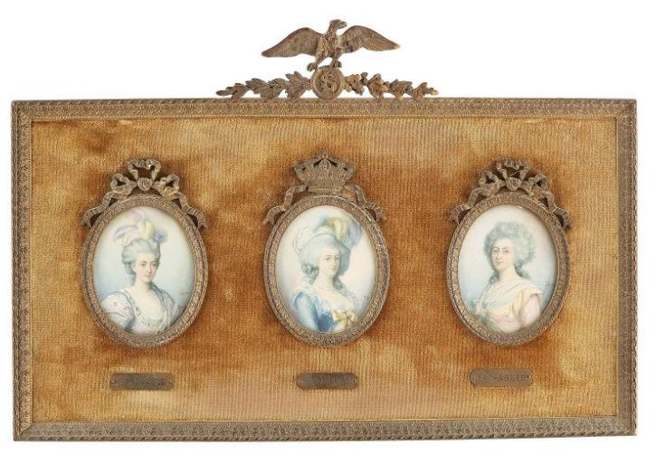 A vendre: miniatures de Marie Antoinette et de ses proches - Page 13 Zzz4-412