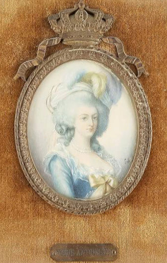 A vendre: miniatures de Marie Antoinette et de ses proches - Page 13 Zzz4-415