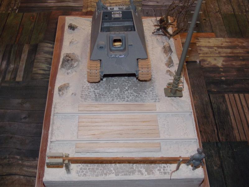 Jagdpanther early (DRAGO 1/35)+ fallschirmmjager  Dscn5817