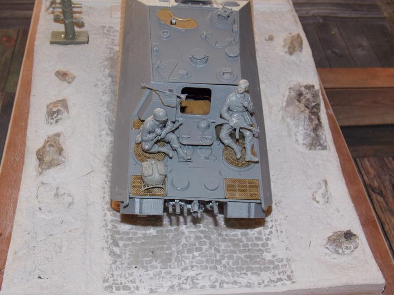 Jagdpanther early (DRAGO 1/35)+ fallschirmmjager  Dscn5834