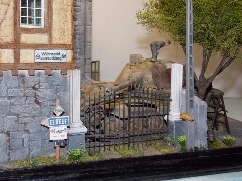 King Tiger à l'entretien Chateau de Chanteloup Aout 44       Projet terminé  - Page 7 Dscn6094
