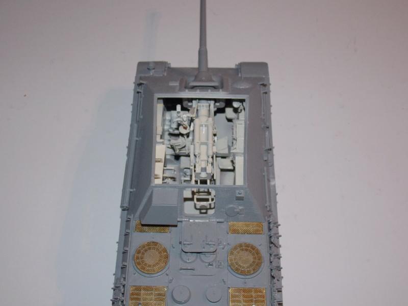 Jagdpanther, Fallschirmjäger et décor perso (Dragon 1/35) - Page 3 Dscn6111