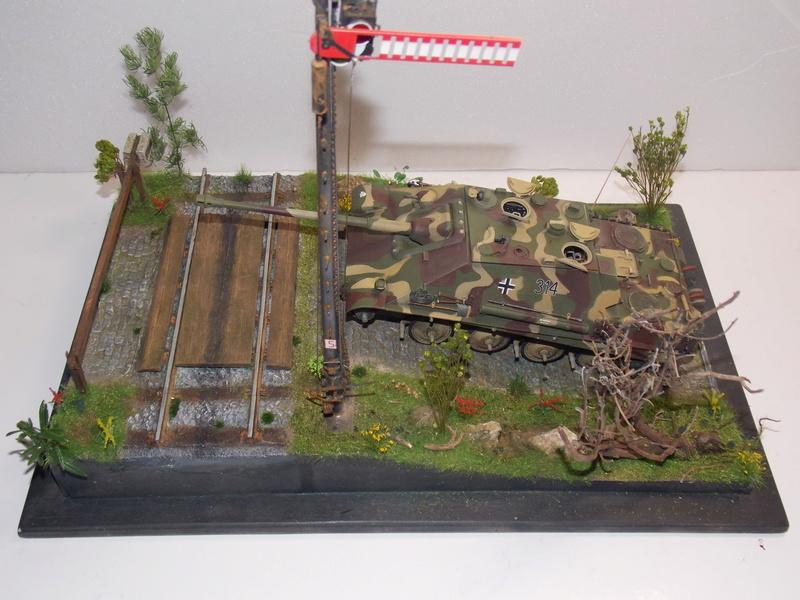 Jagdpanther, Fallschirmjäger et décor perso (Dragon 1/35) - Page 5 Dscn6250
