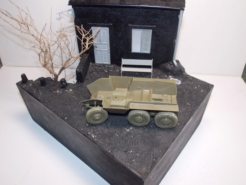 M8 Greyhound TAMIYA avec intérieur Verlinden et décor PATROSS 1/35 Dscn6278