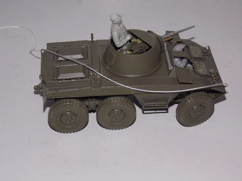 M8 Greyhound TAMIYA avec intérieur Verlinden et décor PATROSS 1/35 Dscn6287