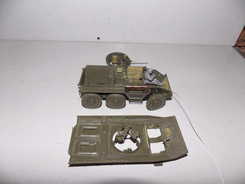 M8 Greyhound TAMIYA avec intérieur Verlinden et décor PATROSS 1/35 Dscn6289